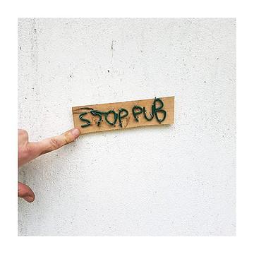 affiche stop pub
